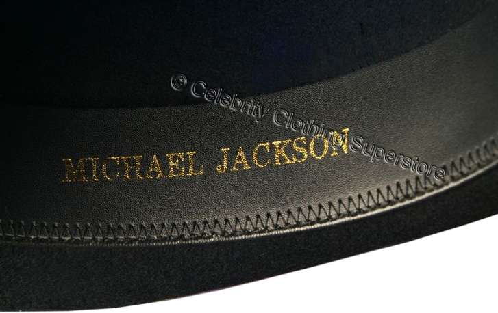 MJ-Pics/michael%20jackson%20fedora%20hat%20with%20name/mj-black-fedora-with-name.jpg