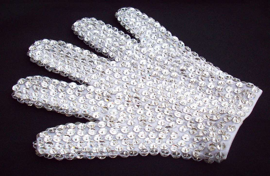 MJ-Pics/mj-crystal-glove/MJ-Swarovski-Crystals-Glove-c.jpg