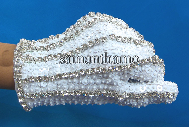 products/MJ-white-sequin-glove.jpg
